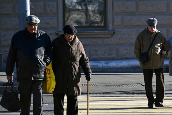 Число пенсионеров на улицах городов Крыма во время карантина не снижается - «Новости Крыма»